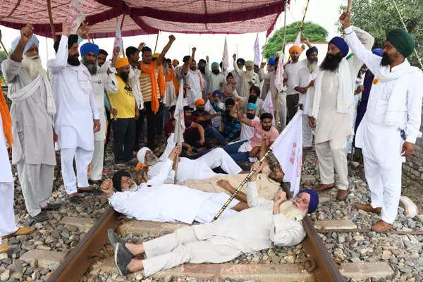 These pictures show how Bharat Bandh paralysed Haryana, Punjab