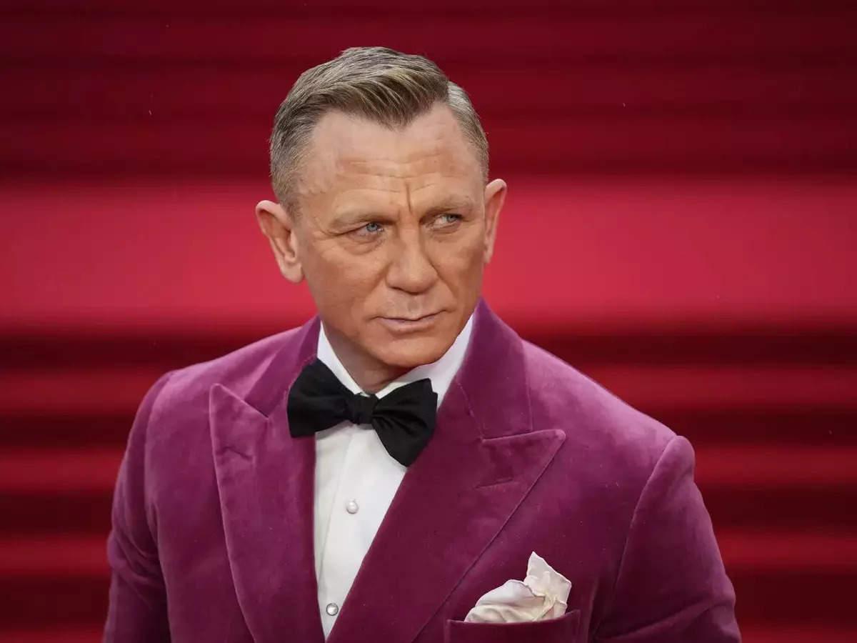 Daniel Craig bids Bond goodbye
