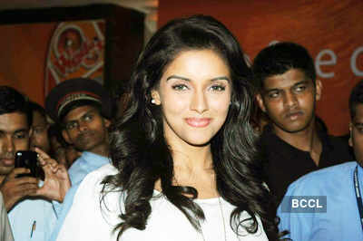 Asin promotes 'Ready'