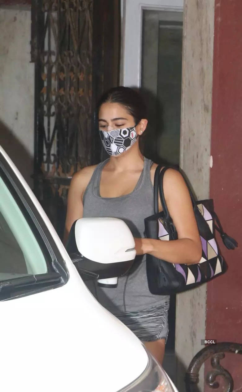 , Sara Ali Khan gets spotted outside gym, The World Live Breaking News Coverage & Updates IN ENGLISH