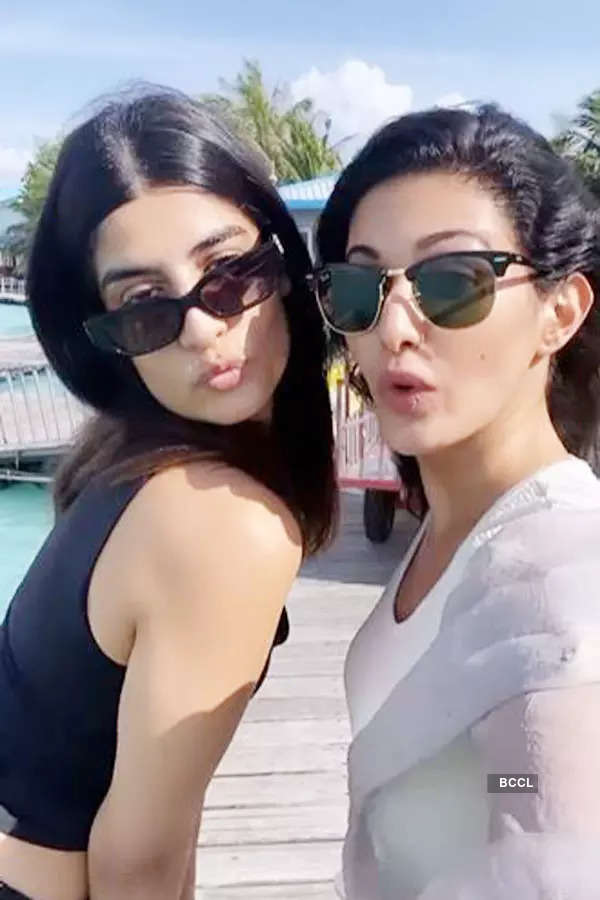 Amyra Dastur's pictures from Maldives vacation will give you major wanderlust goals