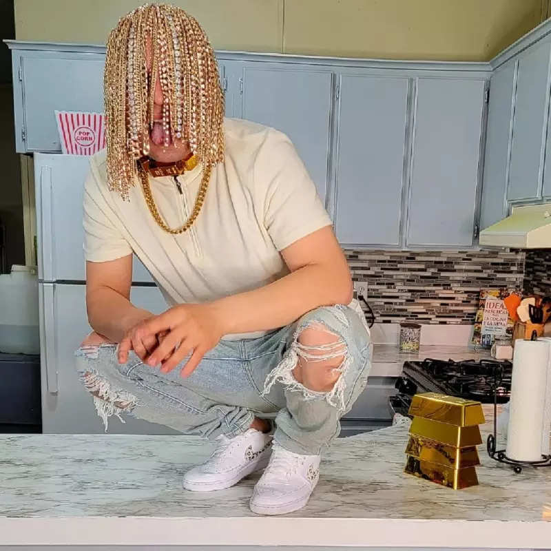 Who is Dan Sur? Meet the Mexican rapper who created buzz online for getting gold chains surgically implanted into scalp, see viral photos