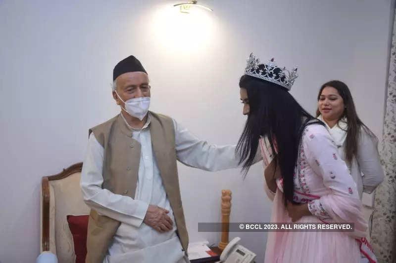 Femina Miss India 2020 runner-up Manya Singh meets Maharashtra governor Bhagat Singh Koshyari