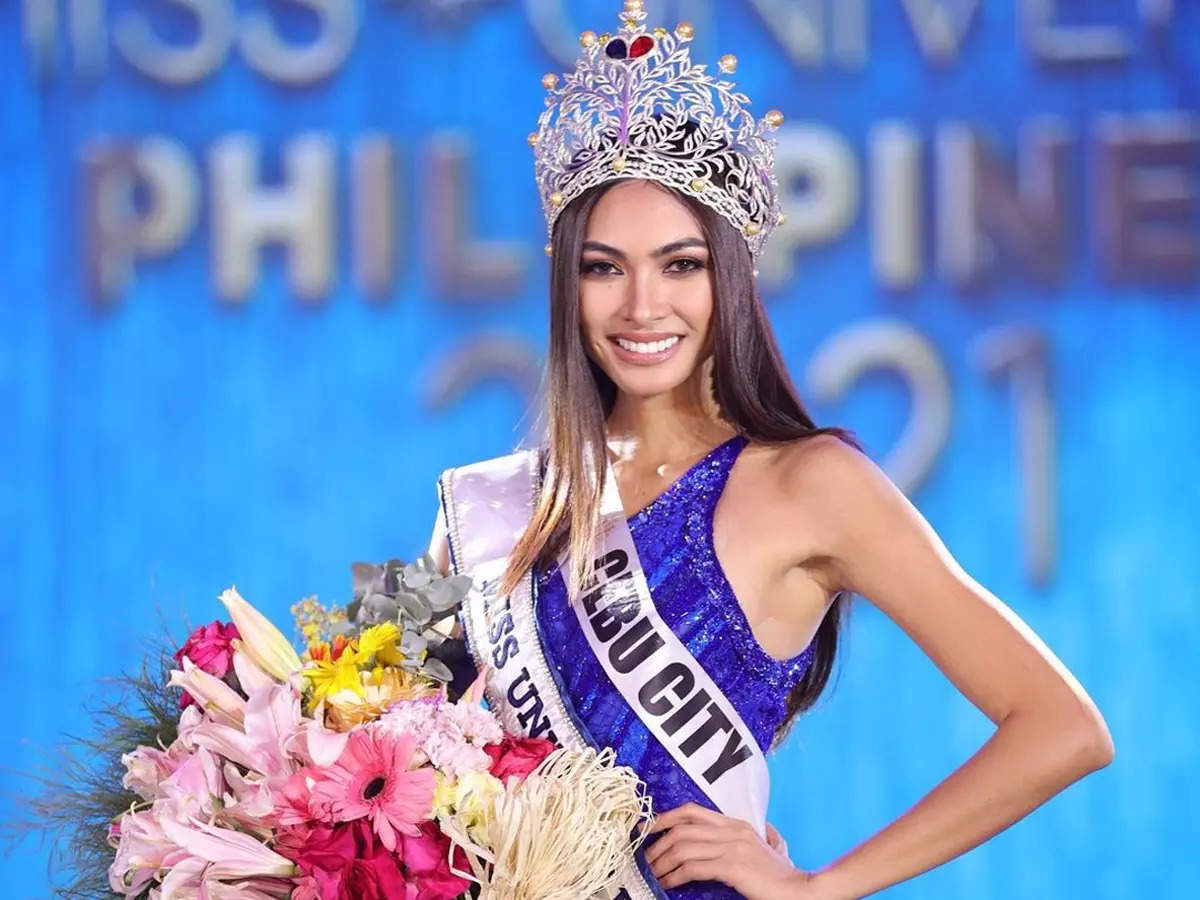 Beatrice Luigi Gomez becomes the first lesbian Miss Universe Philippines 2021