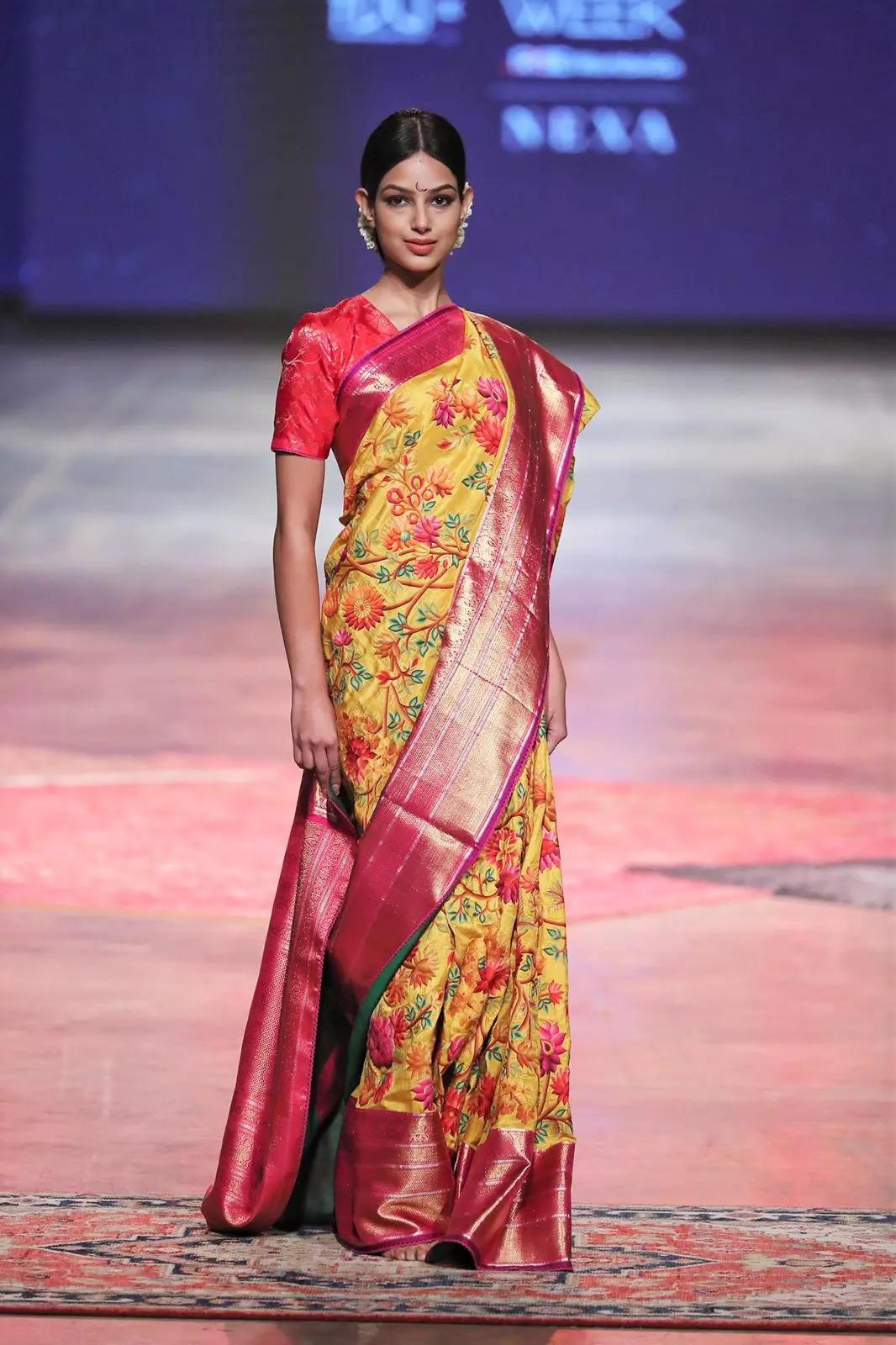 Harnaaz Sandhu looked mesmerizing as she graced the ramp at FDCI x Lakmé Fashion Week
