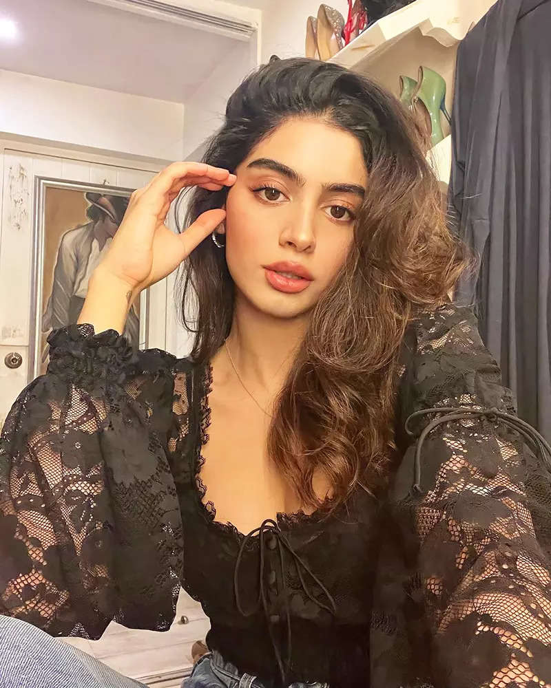 Khushi Kapoor's captivating pictures in gorgeous netted black top are surely worth a thousand words!