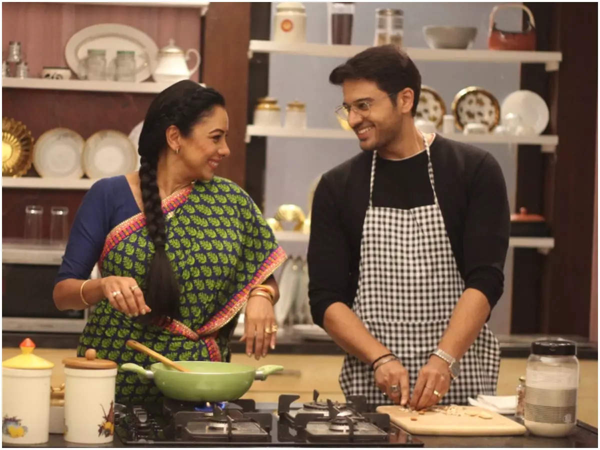 Rupali with Gaurav Khanna in a still from Anupamaa (BCCL)