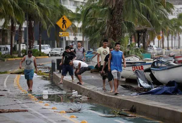 Hurricane Pamela leaves trail of destruction in western Mexico