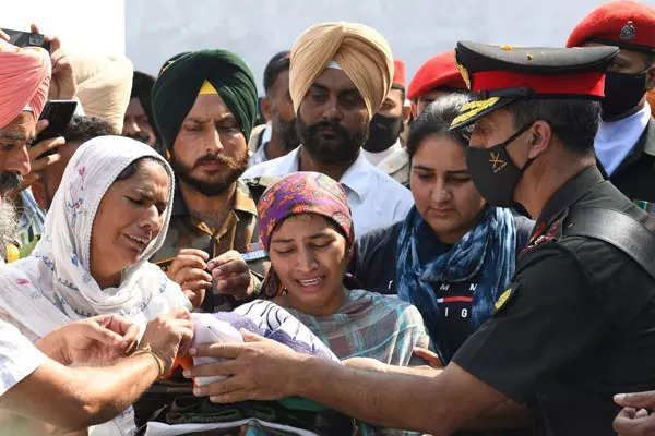 20 pictures from funeral of martyred soldier Mandeep Singh