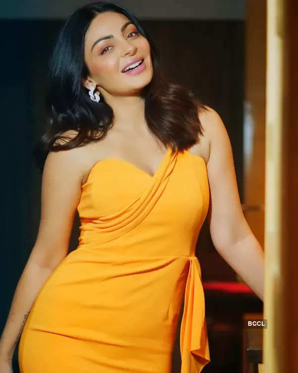 Neeru Bajwa ups the glam quotient with her stunning pictures