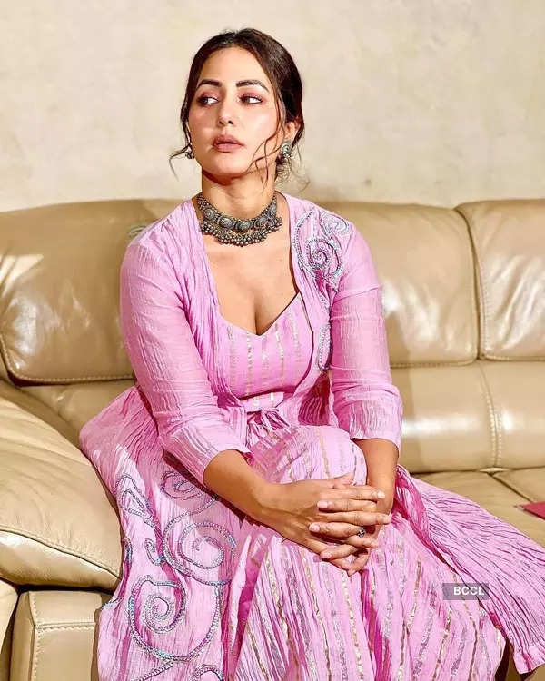 Small screen diva Hina Khan slays with her style statement