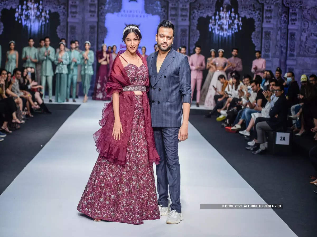 Gauahar Khan is a sight to behold as she turns showstopper