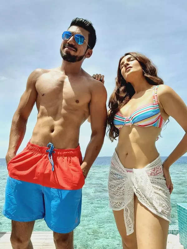 Shiny Doshi and hubby Lavesh's Maldives honeymoon is all about relaxing by the beach in style!