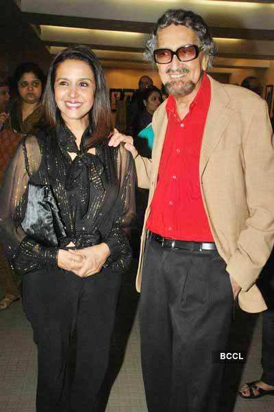 Shazahn with parents @ at art event