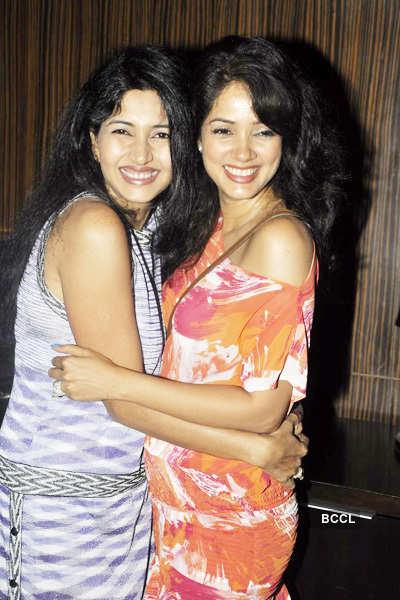 Vidya, Deepti at press meet