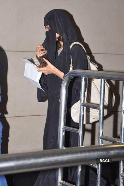 Mallika spotted in burkha