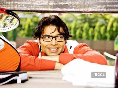 Uday Chopra kicked out of a bar!