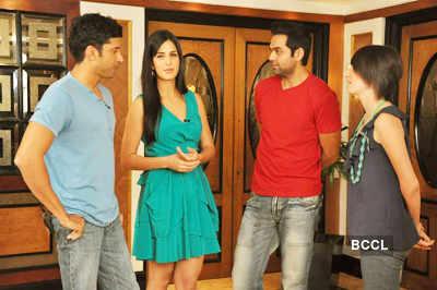 Farhan, Katrina, Abhay snapped