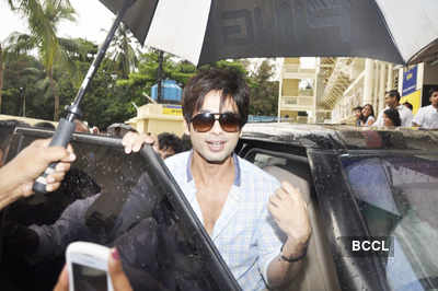 Shahid, Sonam unveil first look of 'Mausam'