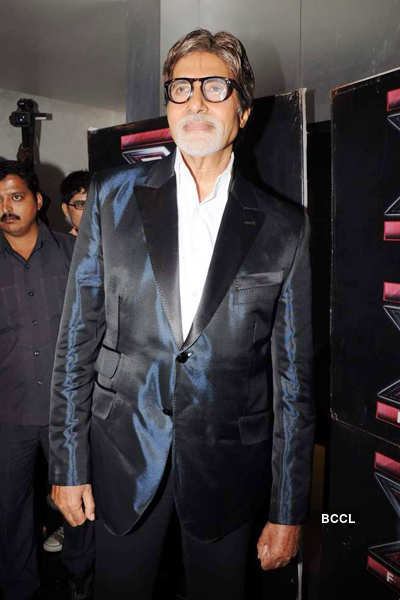 Big B @ 'Aarakshan' press meet