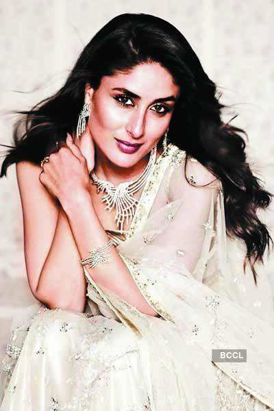 'Ritu Kumar to design Bebo's wedding outfit'