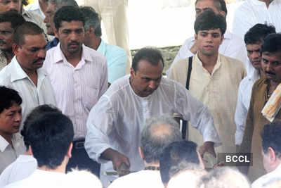 Stars at funeral of legend actor Shammi Kapoor