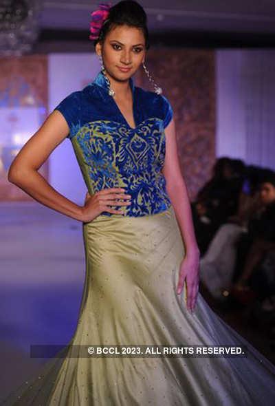 Asha and Gautam Gupta's fashion show