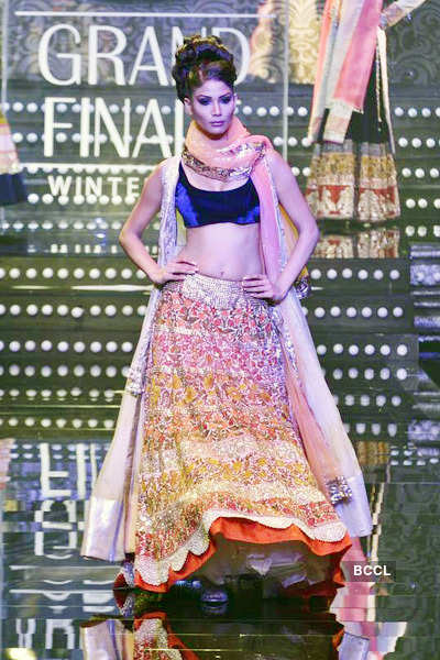 LFW'11 Grand Finale: Manish Malhotra