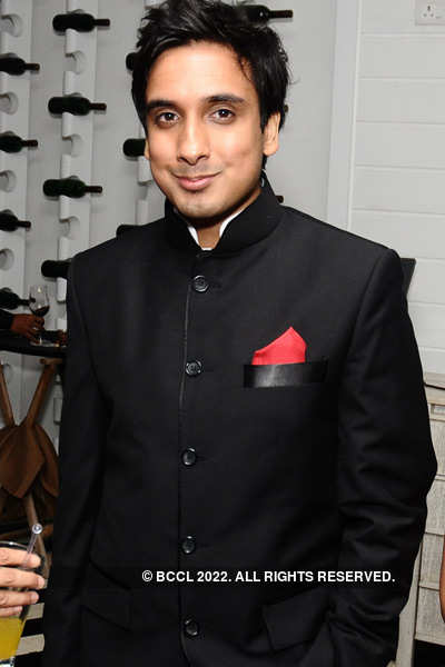Shashi & Sunanda Tharoor's anniv.