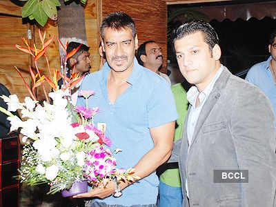 Ajay Devgn unveils 'Sheesha Sky' lounge