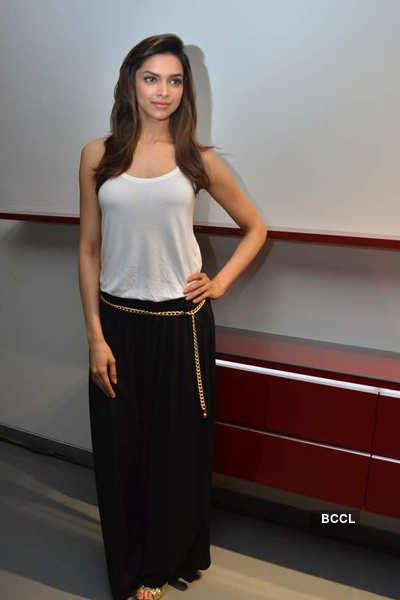 Deepika launches 'Poggenpohl' store