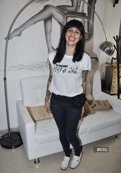 Katrina inaugurates 'Mad-O-Wat' salon