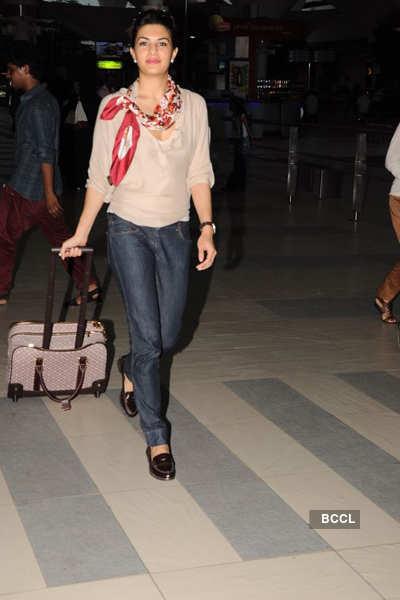 Jacqueline returns after Dubai shoot