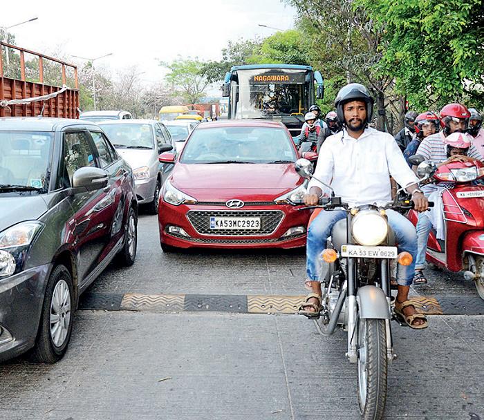 bangalore traffic jams Check the traffic news for bangalore on viamichelin: bangalore real-time traffic news, road closures, accidents, traffic jams.