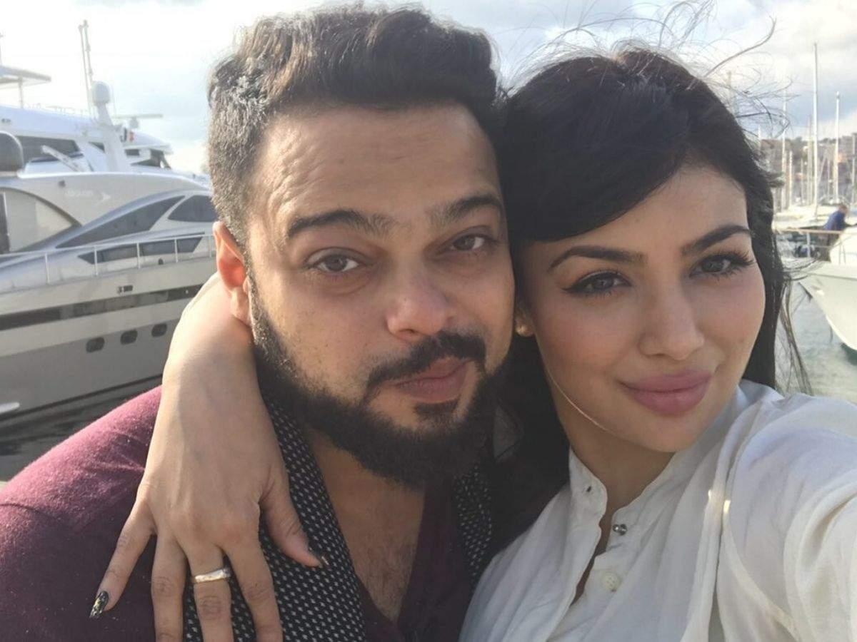 Cafe Bollywood: Ayesha Takia and Farhan Azmi Wedding