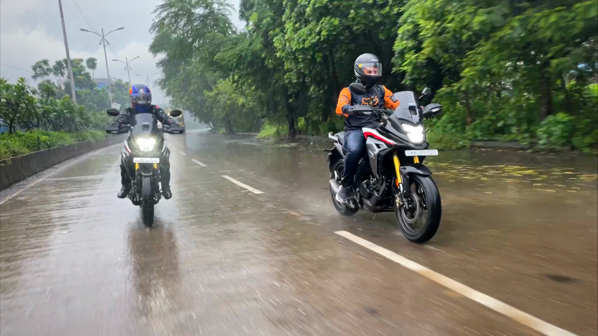 , Review: Honda CB200X comfortably rides you places, not off-road, The World Live Breaking News Coverage & Updates IN ENGLISH