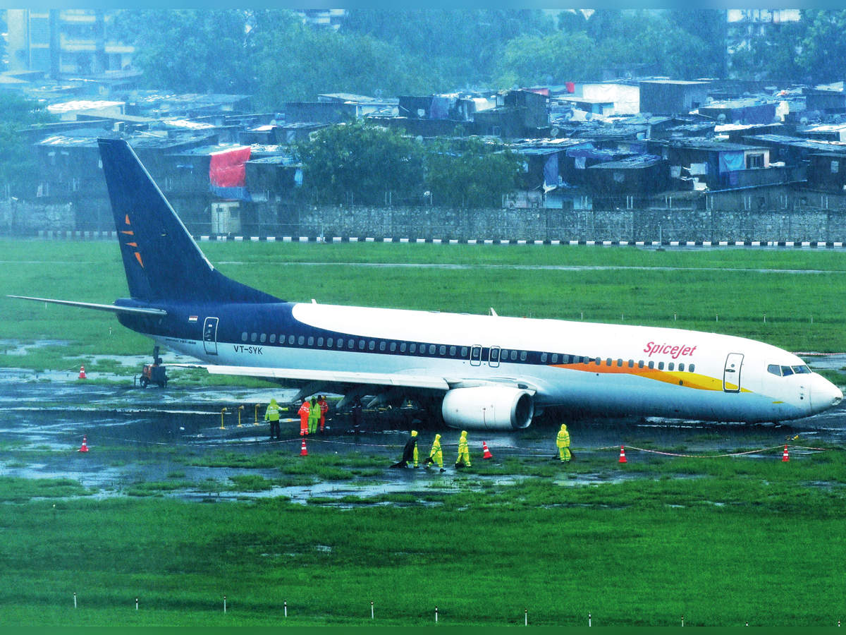 203 cancellations as Spicejet plane overshoots runway