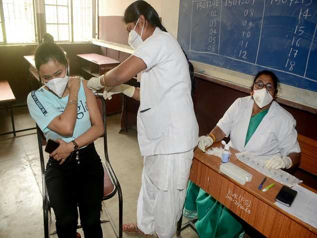 18 states report a decrease in Covid-19 cases; figures increase in 16 states | India News
