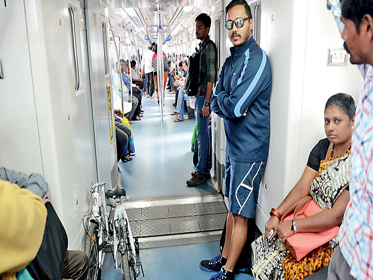 Namma metro tells it guards: Let cycles through