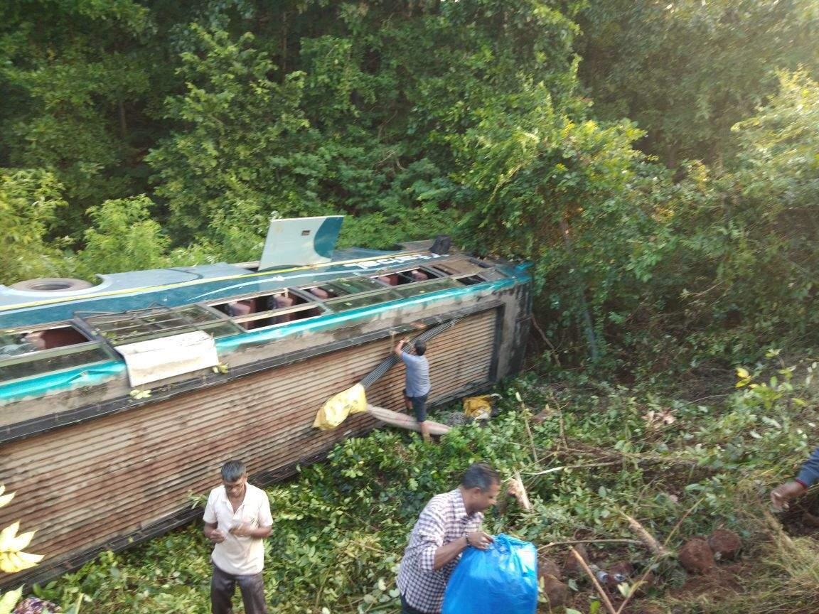 5 children die as bus falls into 300-feet gorge
