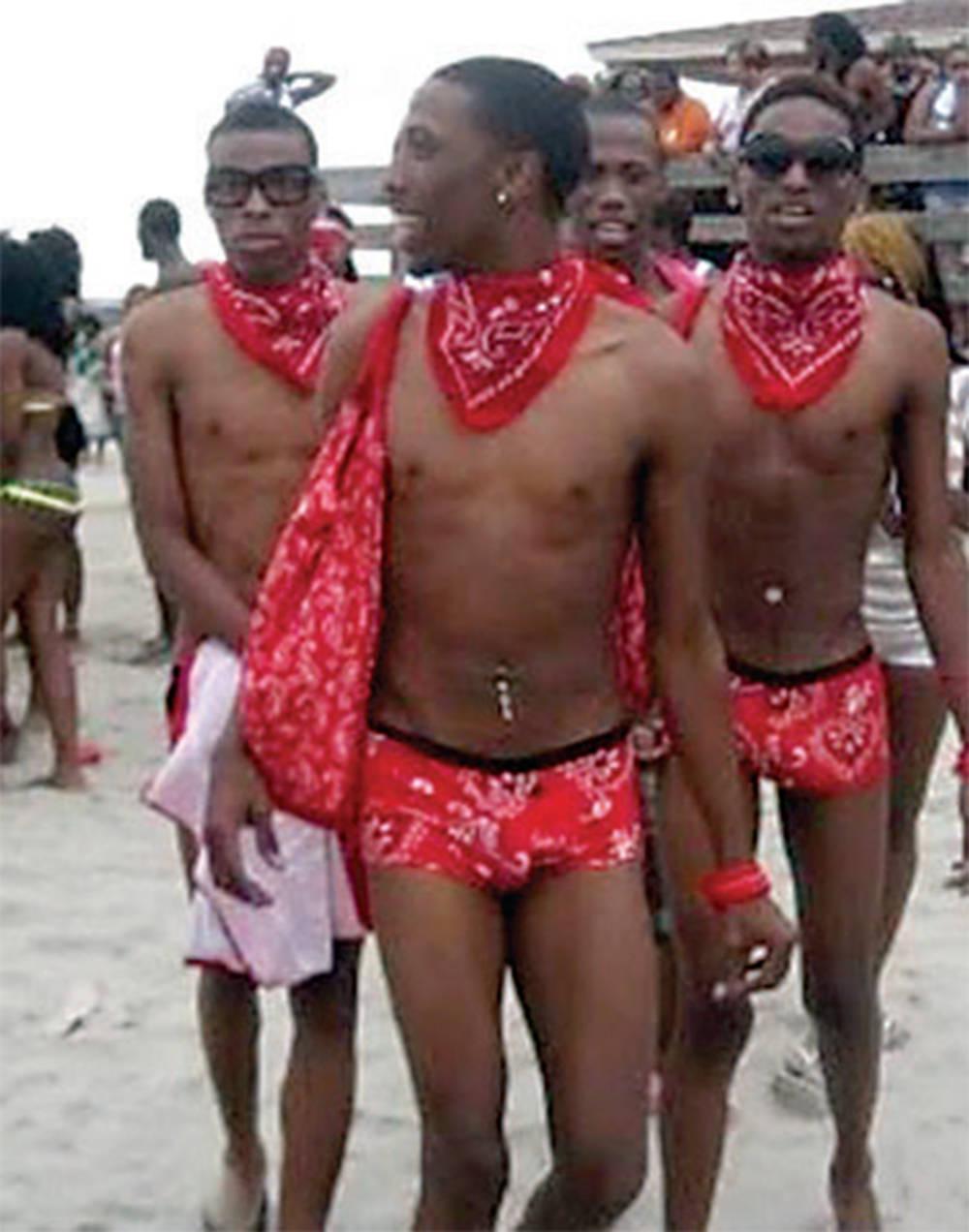 Gay Gang Im Umkleideraum