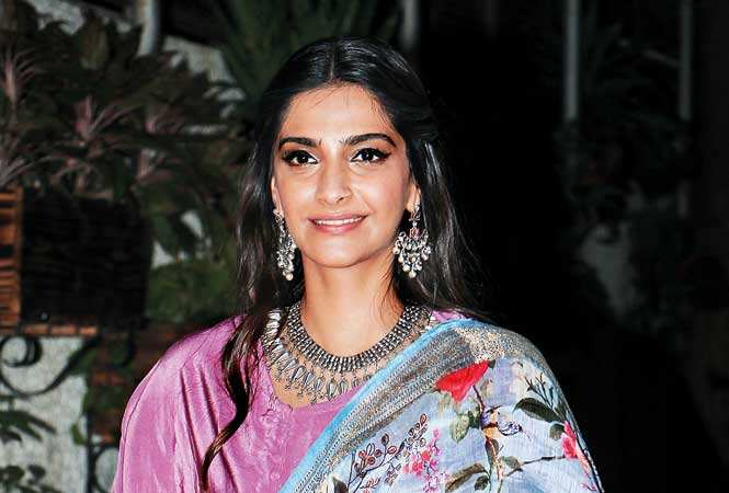 Sonam Kapoor giving us major #bridal jewellery inspo
