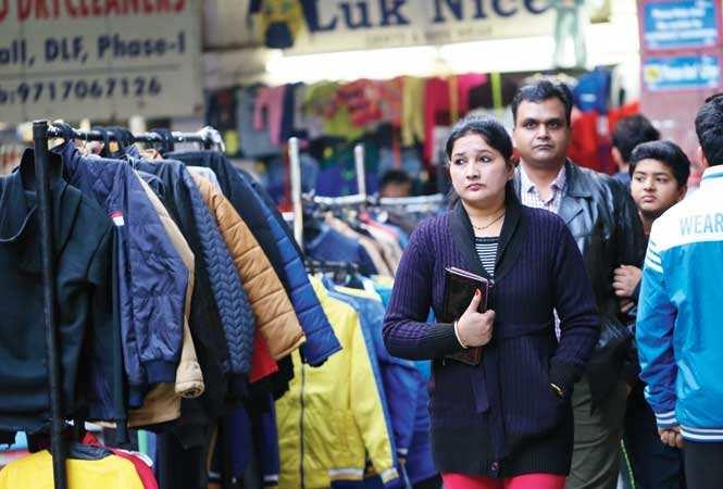 Arjun Market: Brand-conscious Gurgaon's sasta shopping haven | Gurgaon News  - Times of India