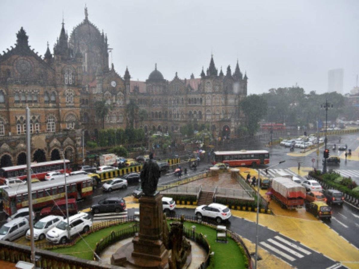 IMD predicts heavy rain, thunderstorm in Mumbai, Thane and Palghar