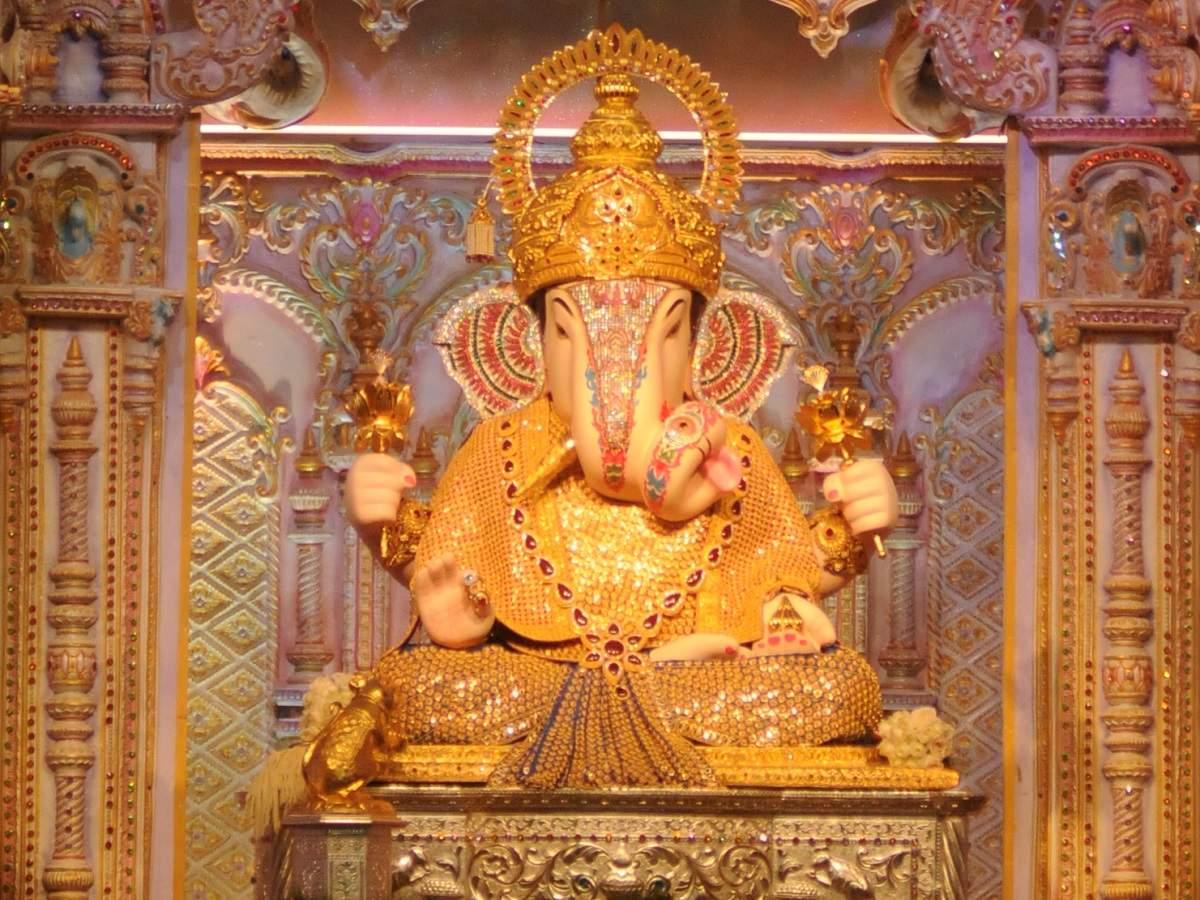 Dagdusheth Halwai Ganpati is a must visit during Pune's Ganeshotsav  celebrations