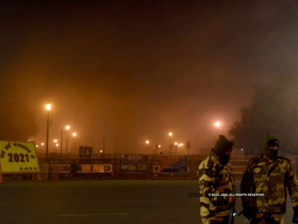 Delhi imposes night curfew between 10 pm to 5 am till April 30