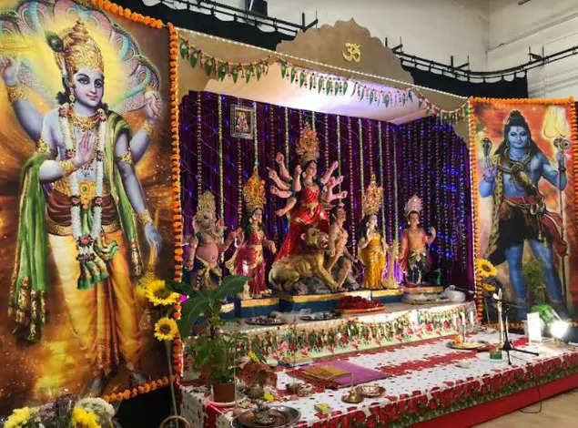 Kolkata's techie most sought-after priest for Durga Puja in United Kingdom | Kolkata News, the vie