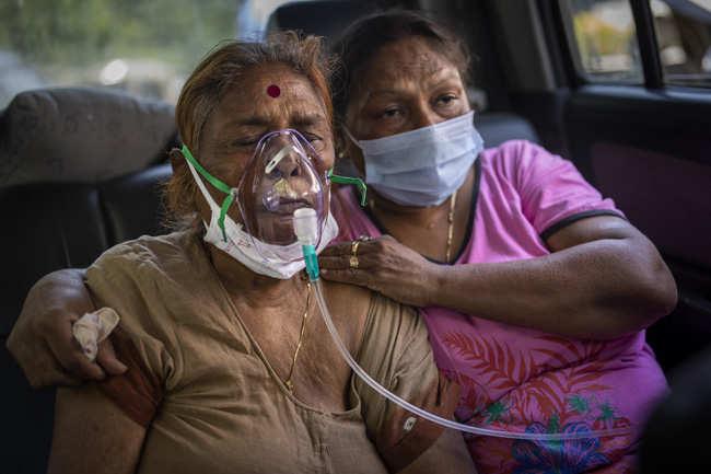 "Indian diaspora struggles to help a homeland ""gasping for air"" | India News"