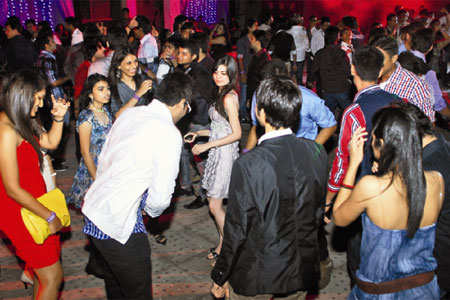 Fun and fashion at freshers party hosted by Shanti Business