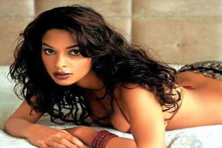 Malavika Avinash wants to slap Mallika Sherawat | Kannada Movie News
